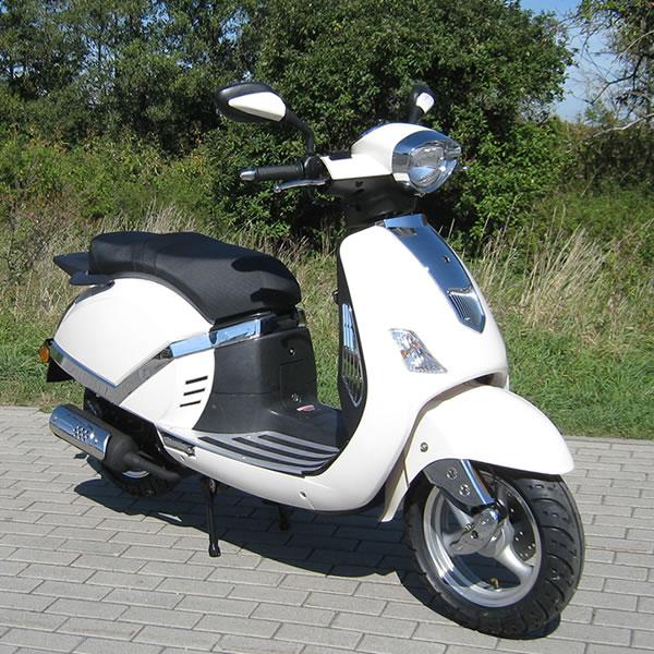 ZNEN Retro Scooter 125cc F8 85 km / h
